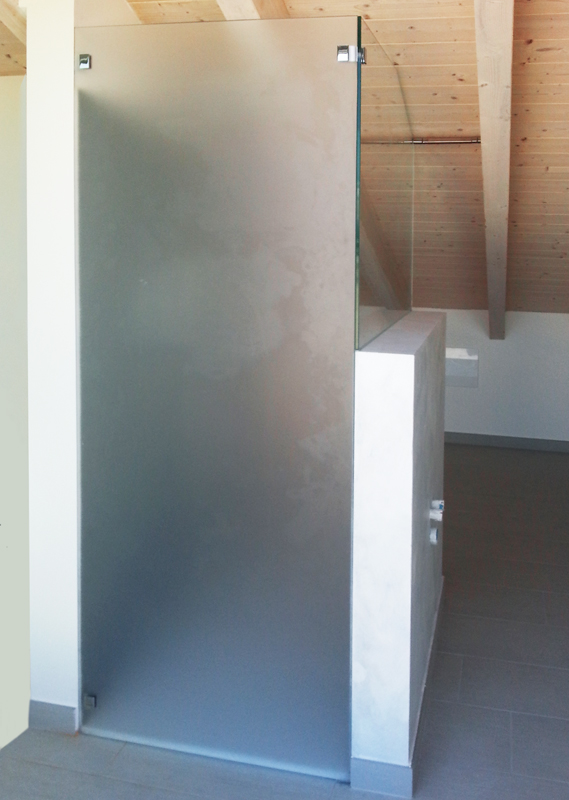 Box doccia sottotetto  Leali Vetri - Vetrocamera isolanti e arredo design