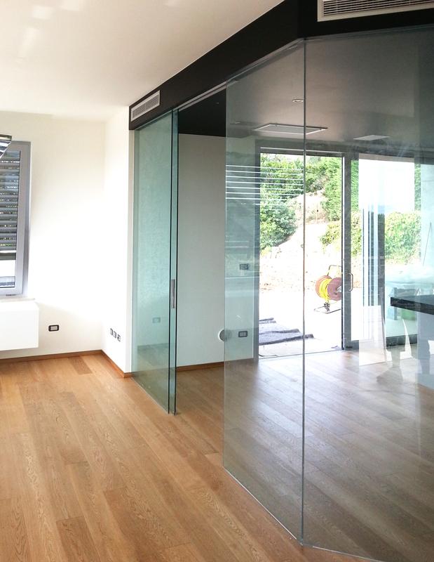 Parete e porta scorrevole leali vetri vetrocamera isolanti e arredo design - Parete attrezzata con porta scorrevole ...