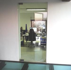 Porta e pavimento in cristallo