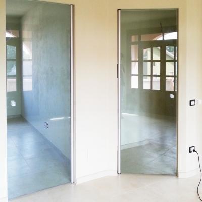 Parete e porta scorrevole leali vetri vetrocamera isolanti e arredo design - Porta in cristallo scorrevole ...