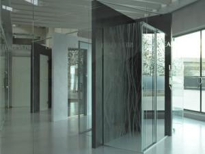 showroom Leali Vetri, vetrate su misura per tutti gli ambienti