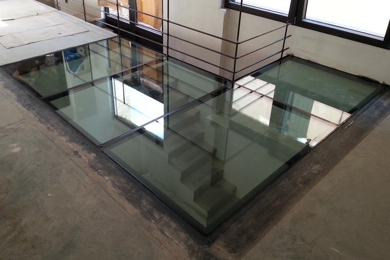 paviemento in cristallo abitazione privata